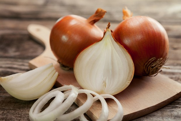 brown onion sliced